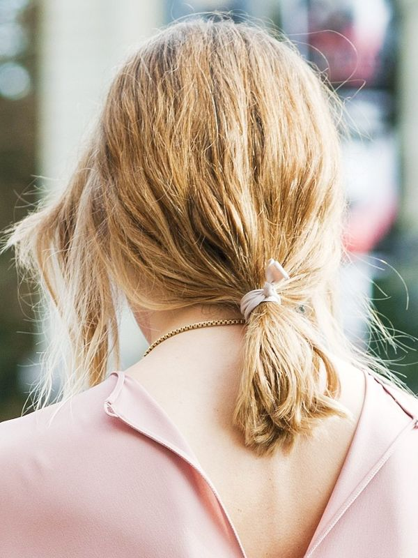 15-hairstyle-updates-you-can-do-in-60-seconds-1826144-1467654712.600x0c